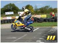Promotivna akrobativna vožnja Corona Extra Scooter Team-a